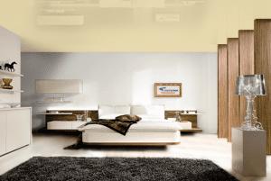 Бледно золотой - цвет глянцевого натяжного потолка в интерьере