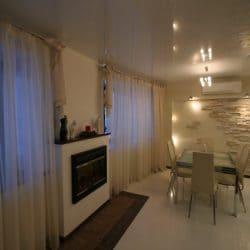 Натяжной потолок в квартире студии - галерея Строй Комфорт