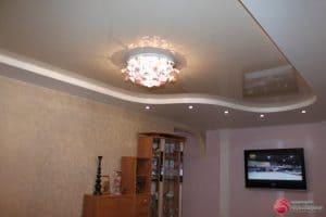 Натяжной потолок в гостиной - галерея Строй Комфорт