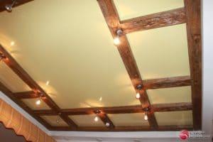 Натяжной потолок с деревянными вставками - галерея работ Строй Комфорт
