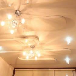 Двухуровневый потолок с узорными вставками - галерея работ Строй Комфорт