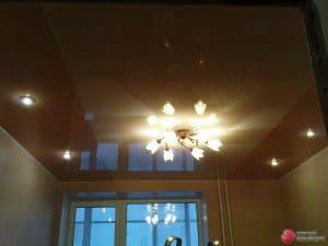 Глянцевый коричневый натяжной потолок - галерея работ Строй Комфорт