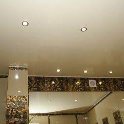 Фигурный белый натяжной потолок - галерея Строй Комфорт