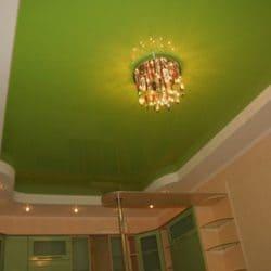 Многоуровневый зеленый натяжной потолок - галерея Строй Комфорт