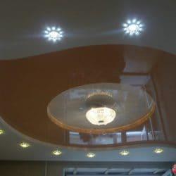 Многоуровневый бежевый натяжной потолок - галерея Строй Комфорт
