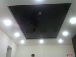 Двухуровневый черный белый потолок - галерея Строй Комфорт