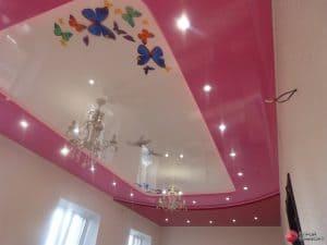 Натяжной потолок с фотопечатью Бабочки и розовым контуром - галерея Строй Комфорт