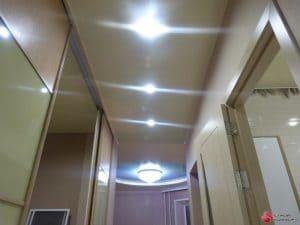 Светильники на натяжной потолке - галерея Строй Комфорт