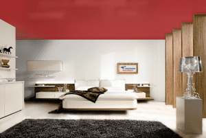 Темный красный - цвет сатинового натяжного потолка в интерьере