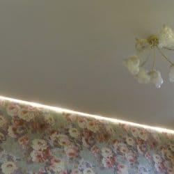 Контурная подсветка на натяжном потолке - галерея Строй Комфорт