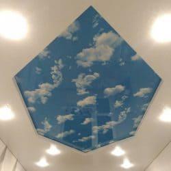 Натяжной потолок со вставкой с фотопечатью Небо - галерея работ Строй Комфорт