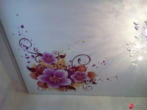 Натяжной потолок с фотопечатью цветы - галерея работ Строй Комфорт