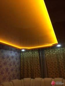 Черный натяжной потолок с желтой подсветкой - галерея работ Строй Комфорт
