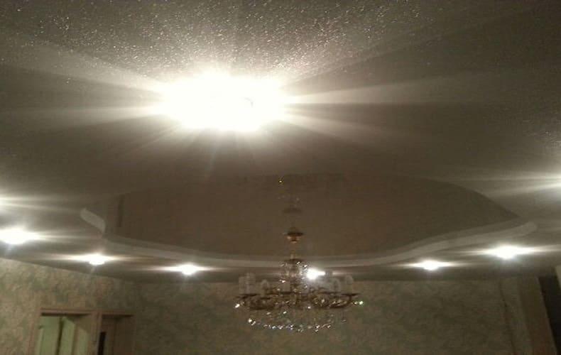 Мерцающий натяжной потолок